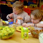 essen-nahrung-kind-obst-3